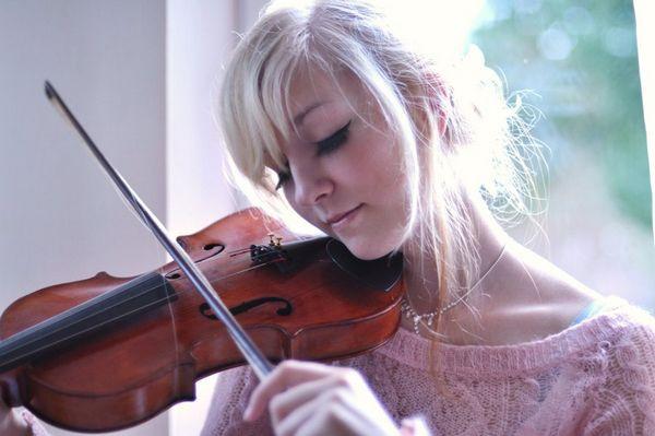 Cute Girl Photos from DeviantART