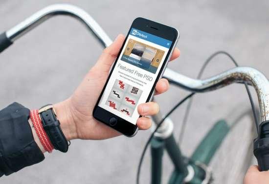 iphone_on_bike_mockup