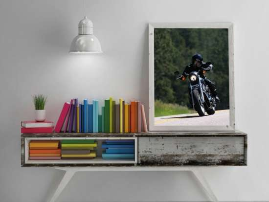 wooden_frame_picture_presentation_mockup