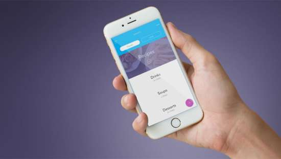 iphone_in_hand_transparent_mockup