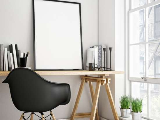picture_frame_on_table_mockup