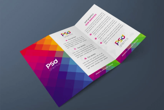 tri_fold_brochure_mockup_free_psd_graphics_screenshot