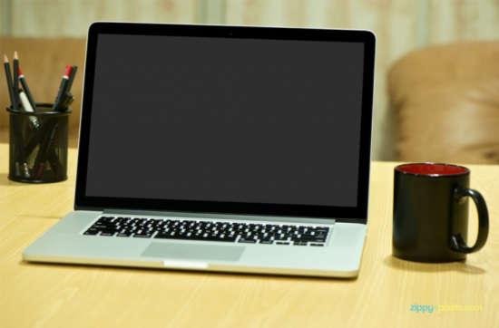 free_photorealistic_device_mockup_of_macbook_pro