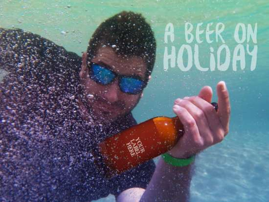 beer_on_holiday_mockup_free