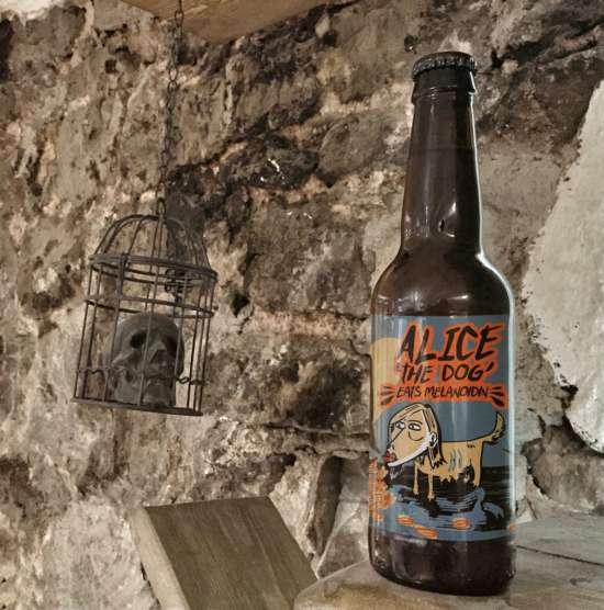 free_beer_mockup_skull