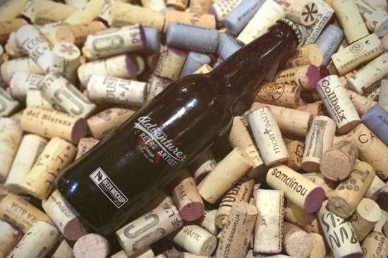 free_beer_mockup_wine_corks