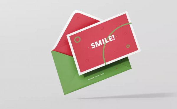 greeting_card_mockup_with_envelope